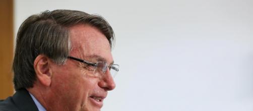 Bolsonaro cita a França como sendo responsável pela saída de madeira ilegal do Brasil. (Arquivo Blasting News)