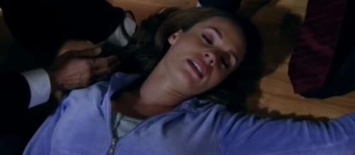 Roberta desmaia ao descobrir que Josefina matou Rafael. (Televisa)
