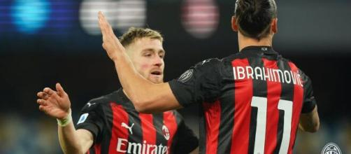 Ibrahimovic con una doppietta porta il Milan in vetta - foto di: acmilan.com