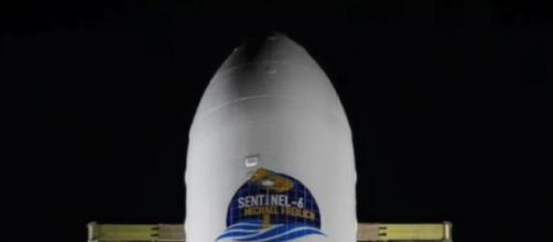 Sentinel-6 Michael Freilich launch and Falcon 9 first stage landing. [Image source/SciNews YouTube video]