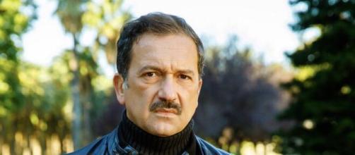 Un posto al sole, trame dal 30 novembre al 4 dicembre: Massaro viene a sapere del tradimento di Bice.