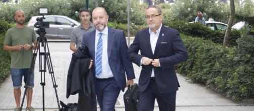 Agapito Iglesias y Javier Porquera, condenados por falsedad documental