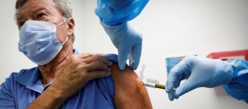 EEUU espera iniciar la vacunación contra el coronavirus el 11 de ... - com.ar