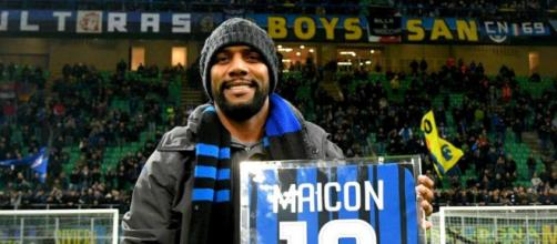 Maicon, ex terzino destro dell'Inter.