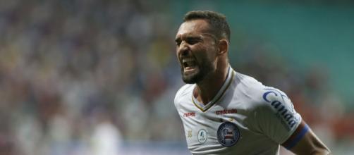 O Bahia aposta no atacante Gilberto, artilheiro da Copa Sul-Americana com 4 gols. (Arquivo Blasting News)