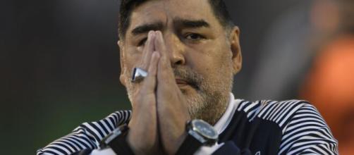 Addio a Diego Maradona, sarebbe morto per un arresto cardiorespiratorio.