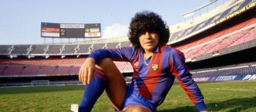 Diego Maradona jogou pelo Barcelona. (Arquivo Blasting News)