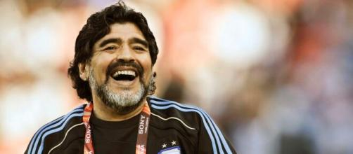 Lutto nel calcio: è morto Maradona a causa di un arresto cardiaco