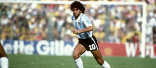 Maradona fez muita história no futebol. (Arquivo Blasting News)