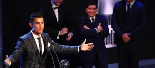 Diego Maradona e Cristiano Ronaldo. (Arquivo Blasting News)
