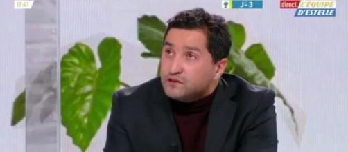 Nabil Djellit en larmes après son hommage à Maradona dans L'ÉQUIPE D'ESTELLE (Vidéo). Capture d'écran