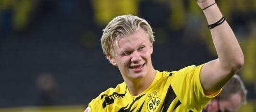 Erling Haaland, do Borussia Dortmund, é o artilheiro da atual edição da Liga dos Campeões. (Arquivo Blasting News)