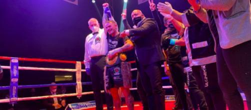 Michael Magnesi nuovo campione del mondo Ibo dei pesi superpiuma.