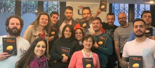 Alumnos de máster de La Universidad Juan Carlos I, tras una charla sobre el huevo impartida por el Instituto de Estudios del Huevo