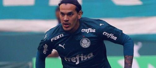 O zagueiro paraguaio Gustavo Goméz, do Palmeiras, aparece como uma das melhores opções. (Arquivo Blasting News)
