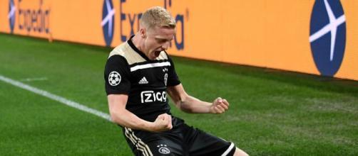 Van de Beek potrebbe essere nel mirino della Juventus.
