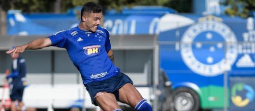 William Pottker ainda busca corresponder com a camisa do Cruzeiro. (Arquivo Blasting News)