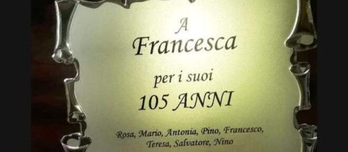 Targa dedicata al 105° compleanno di Francesca Spina