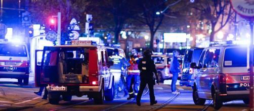 Viena fue sorprendida por un ataque coordinado terrorista en la noche del lunes