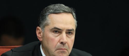 Em coletiva, ministro Barroso do TSE fala sobre as eleições. (Arquivo Blasting News)