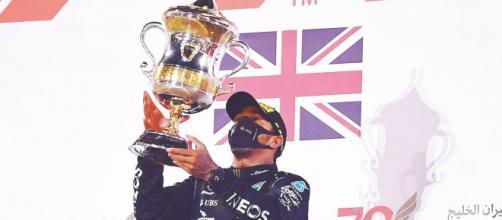 Hamilton vince il Gp del Bahrain e Grosjean si salva dall'incidente