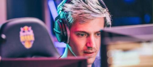 Ninja segue como um dos maiores streamers da Twitch. (Arquivo Blasting News)