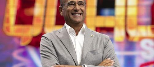 Carlo Conti, colpito dai sintomi della Covid-19, non potrà condurre in collegamento video la prossima puntata di Tale e Quale Show - gds.it.