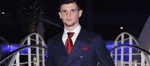 Casalnuovo (Napoli), 19enne ucciso a coltellate in strada.