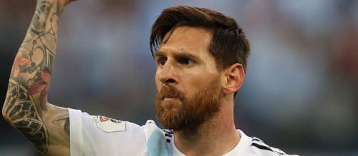 Inter, possibile sfida di mercato con la Juventus per Leo Messi (Rumors).