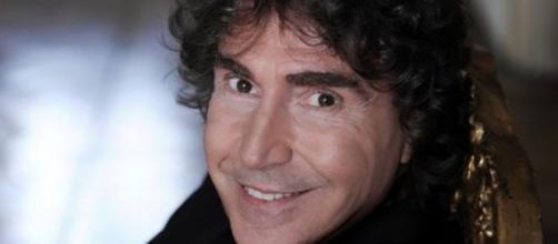 Il batterista Stefano D'Orazio, è scomparso venerdì 6 novembre.