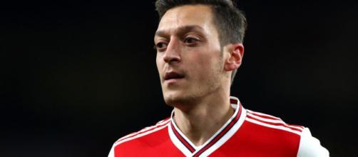 Arsenal vê situação delicada com Ozil. (Arquivo Blasting News)