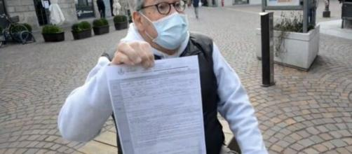 Bergamo, l'81enne di Treviglio, Pino Colla è stato multato di 400 euro per aver violato le misure previste dal nuovo Dpcm.