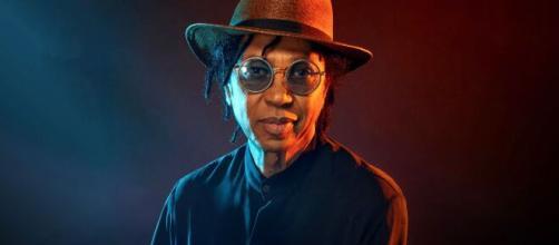 O cantor Djavan tem musicas de sucesso que fizeram parte das novelas globais. (Arquivo Blasting News)