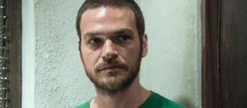 """Rubinho será passado para trás em """"A Força do Querer"""". (Reprodução/TV Globo)"""