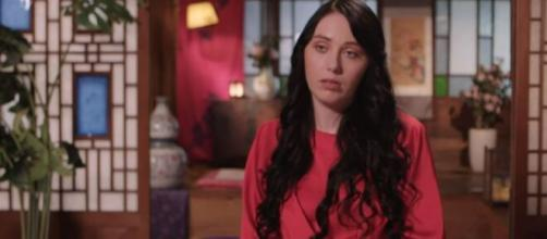 '90 Day Fiancé': Fans accused Deavan of lying, slammed her for promoting the app. [Image Sources: TLC UK/ YouTube]