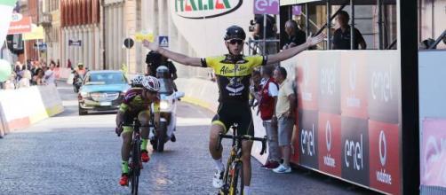 Coronavirus, morto il ciclista Michael Antonelli: aveva 21 anni e, dallo scorso 2018, era in riabilitazione dopo un brutto incidente.