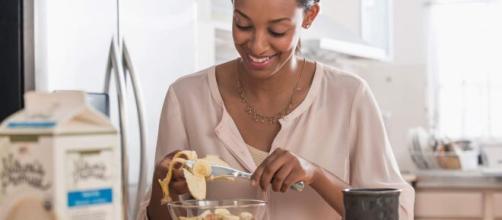 Alimentação na menstruação: o que comer e o que evitar. (Arquivo Blasting News)