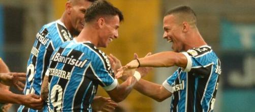 Darlan e Ferreira devem ser titulares no Grêmio. (Arquivo Blasting News)