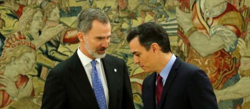 Sánchez enaltece la gestión del rey de España.