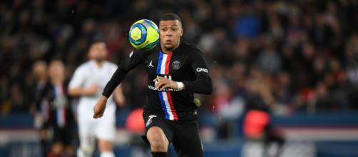 Dentre os jogadores franceses está o astro do futebol atualmente, Kylian Mbappé. (Arquivo Blasting News)