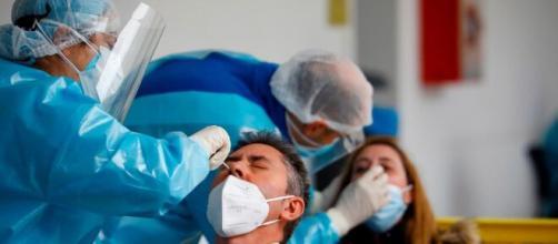 Sanidad dice que España es más vulnerable a una tercera oleada del virus