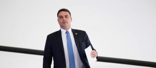 Advogados de Flávio Bolsonaro seguiram metade das recomendações feitas pela Abin. (Arquivo Blasting News)
