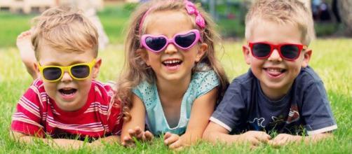 As crianças devem usar protetor solar a partir de uma certa idade. (Arquivo Blasting News)