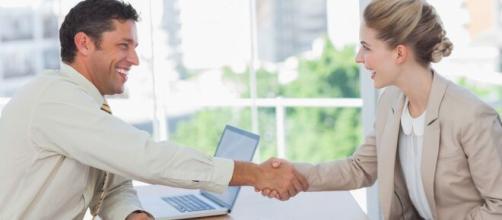 Como se comportar em uma entrevista de emprego. (Arquivo Blasting News)