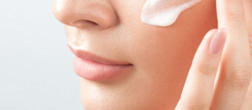 Limpeza de pele é essencial para a saúde da derme. (Arquivo Blasting News)