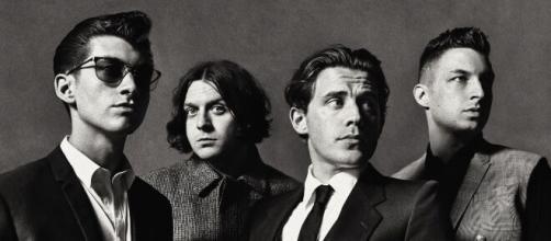 Muito popular no cenário do indie rock, o Arctic Monkeys ganhou popularidade com o disco 'AM', lançado em 2013. (Arquivo Blasting News)