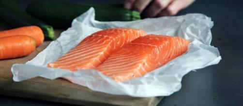 O salmão tem sido presente nos lares brasileiros. (Arquivo Blasting News)