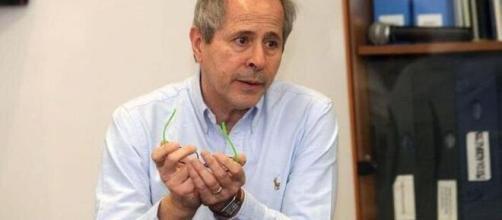 Andre Crisanti, direttore del laboratorio di Microbiologia a Padova.