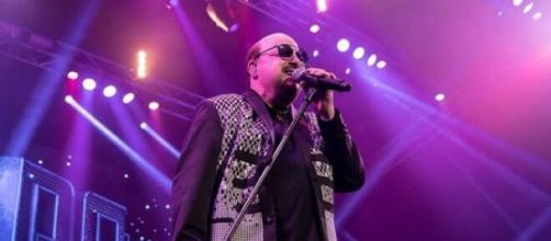 Paulinho, vocalista do Roupa Nova, morre após contrair Covid-19. (Arquivo Blasting News)