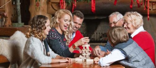 Seis personas reunidas en Navidad, la nueva normalidad este año